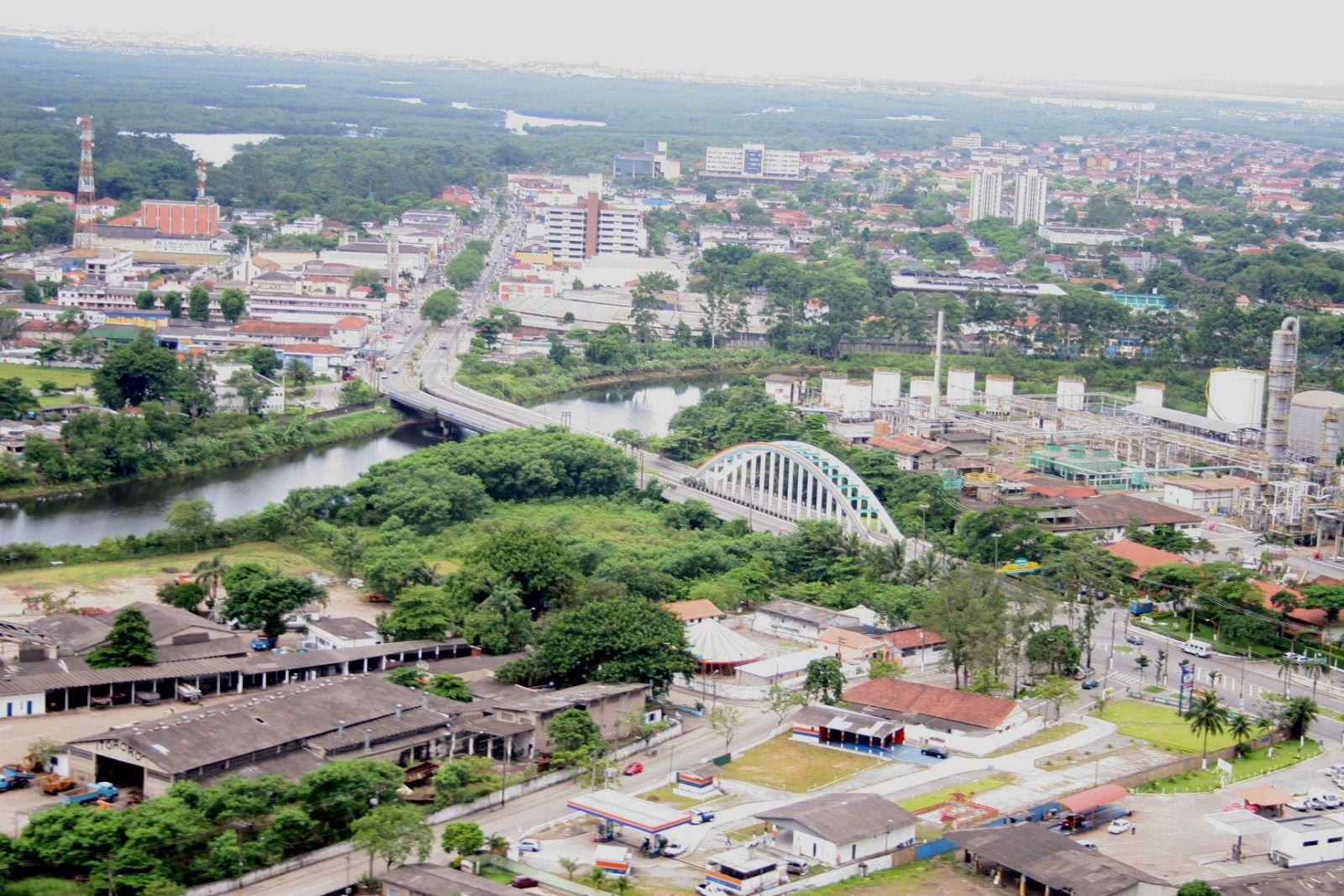 Vista áerea de Cubatão - imagem da Secretaria de Comunicação da Prefeitura