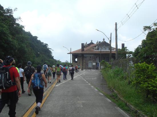 Caminho do mar para o município que é símbolo da recuperação ambiental no mundo.
