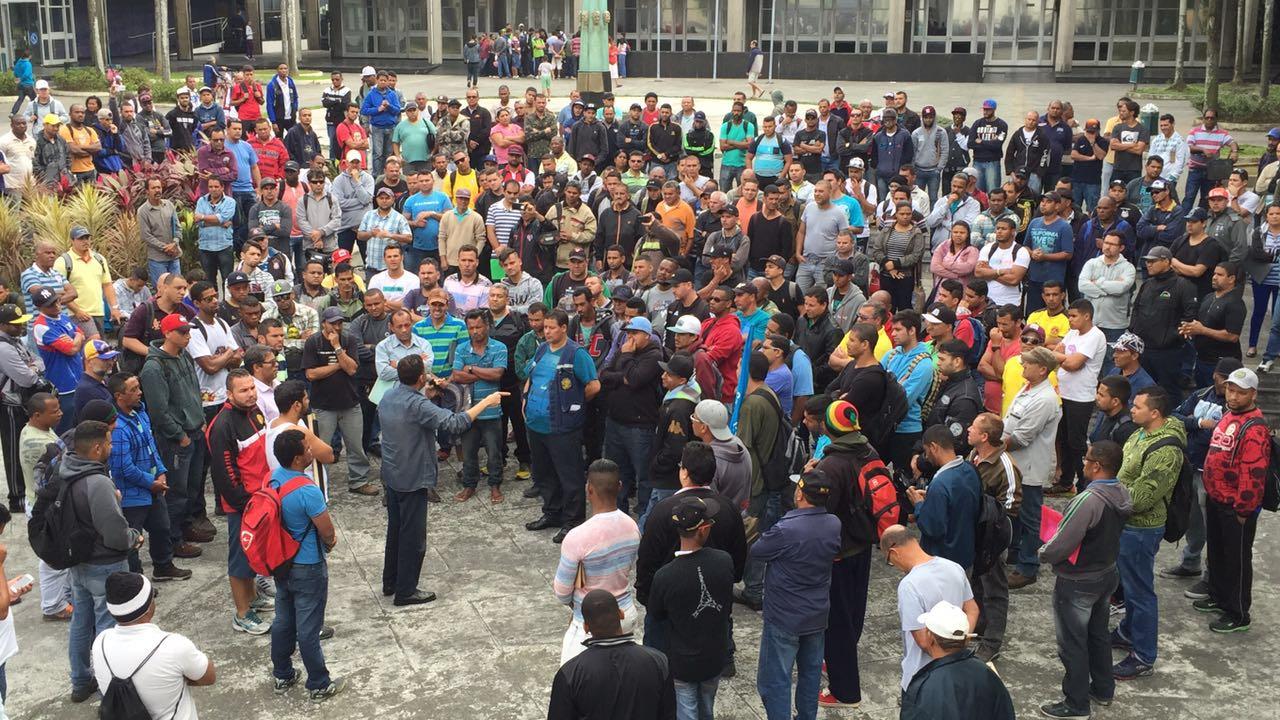 Macaé, líder sindical do Sintracomos, defende empregos além das 'paradas' de trabalho. Foto: Vespasiano Rocha.
