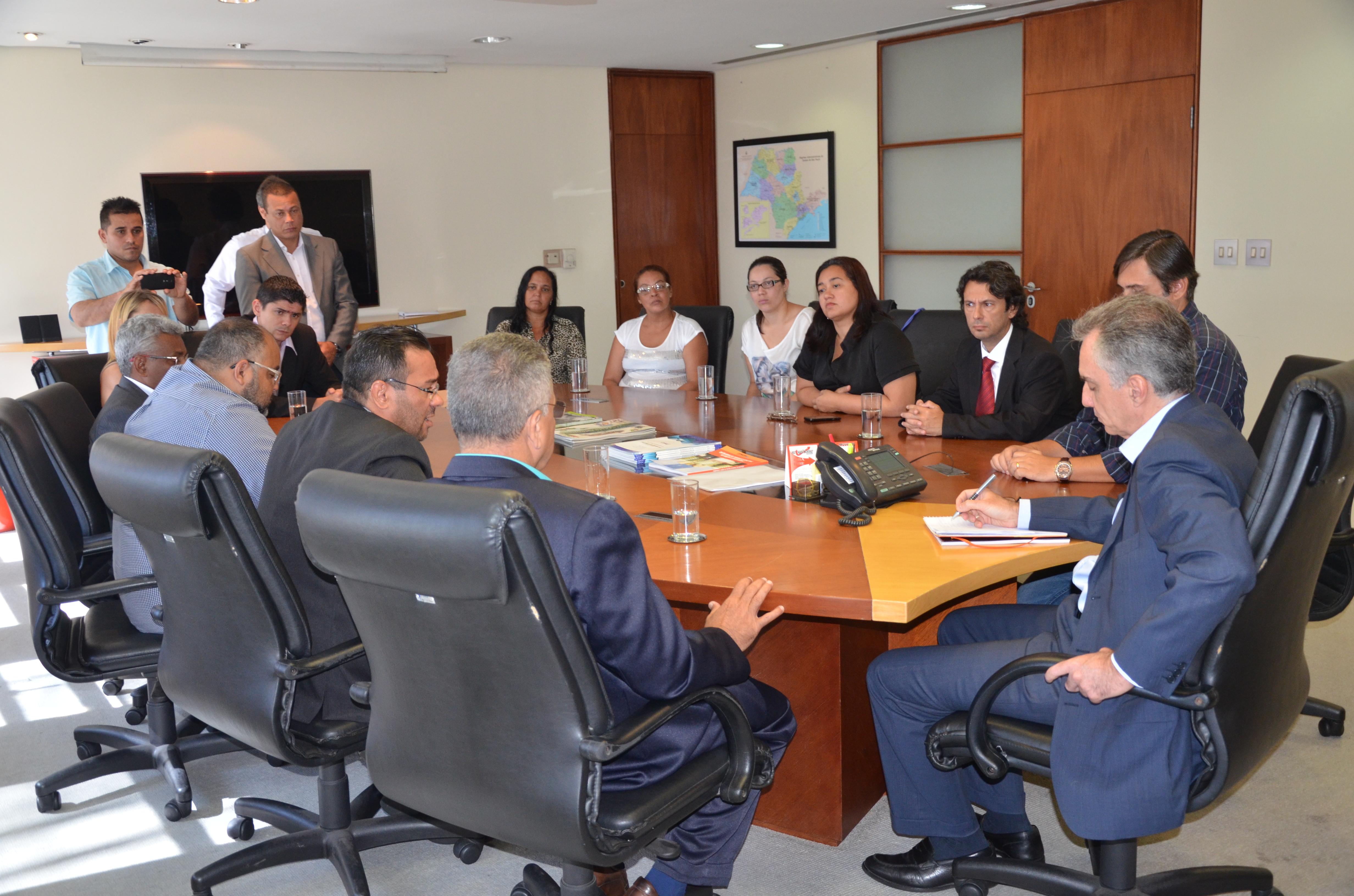 Secretário da Habitação do Estado recebe comitiva cubatense